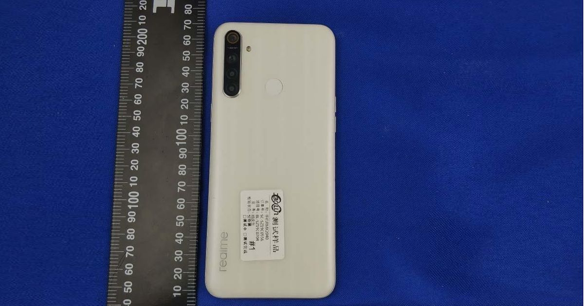 Realme 6i live shots revealing USB-C and 18W charger appear via FCC listing