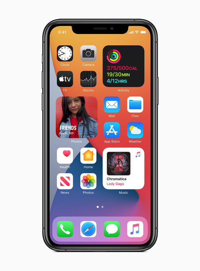 iOS 14 now lets users place widgets on the homescreen