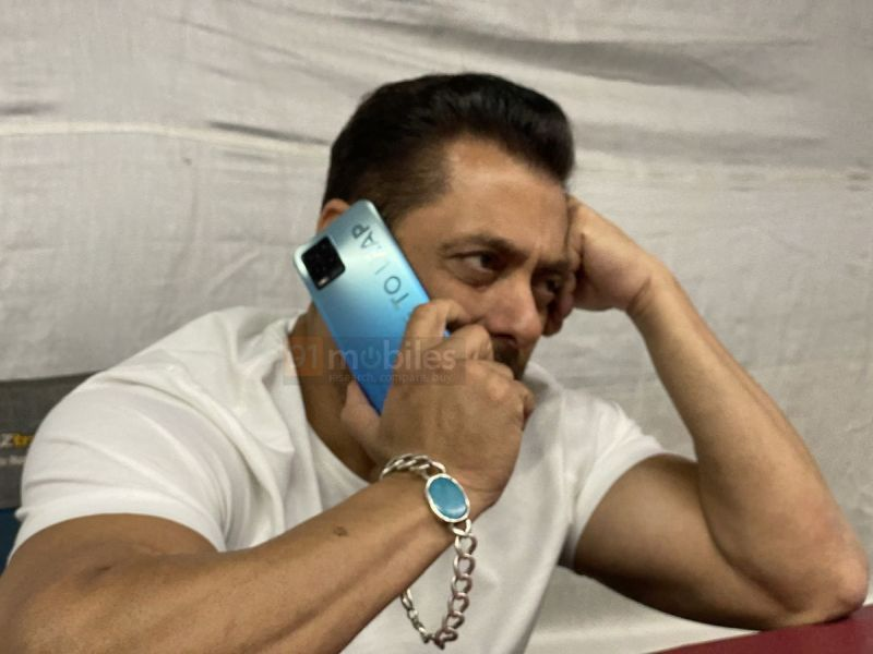 Salman Khan with alleged Realme 8 Pro